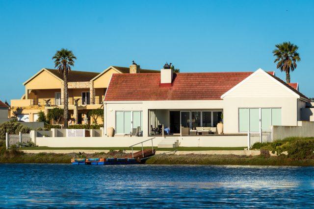 Pourquoi réserver une location de villa à Petit Bourg ?